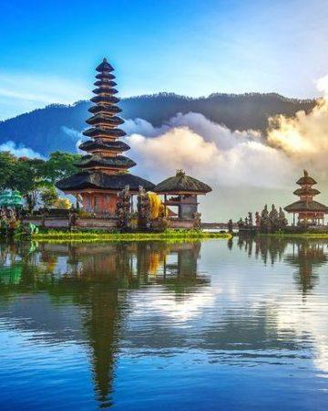 Travel Surabaya Bali